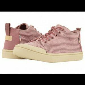 Hot TOMS  Sneakers Nwot